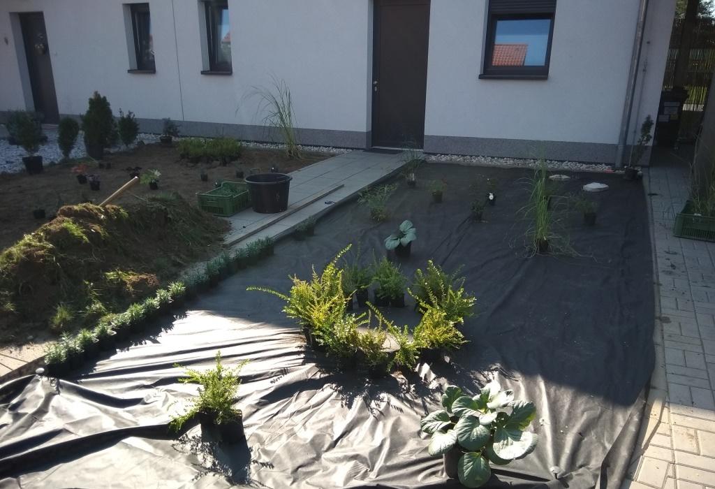 Geotextilie proti plevelu